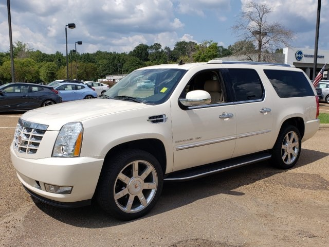 2014 Cadillac Escalade For Sale >> Pre Owned 2014 Cadillac Escalade Esv Luxury Rwd 4d Sport Utility
